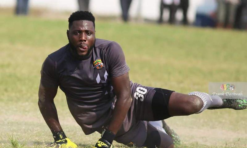 Richard Attah extends Hearts contract by one year | Footy-GHANA.com